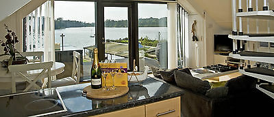 CENTRE of England HOLIDAY PARCS LUXURY WATER SIDE HALF TERM OR SUMMER HOLIDAY