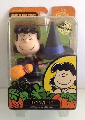 peanuts halloween great pumpkin charlie brown 2009 lucy witch figure new