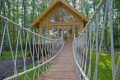 TREE HOUSE 5* LAKESIDE HOLIDAY cottages and lodges by water BREAKS RIVER POSH