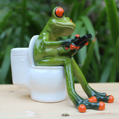 Resin Frog Figurines Creative Crafts Sitting Toilet Ornaments Decor Crafts A