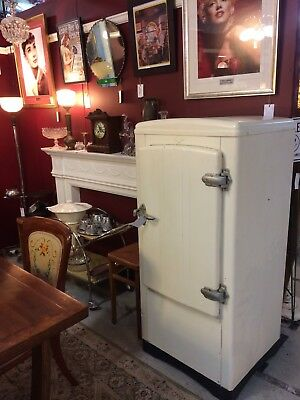 Art Deco Hallstrom Silent Knight Fridge - 1935 **Fully Working**