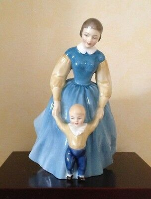 Royal Doulton Figurine First Steps HN2242