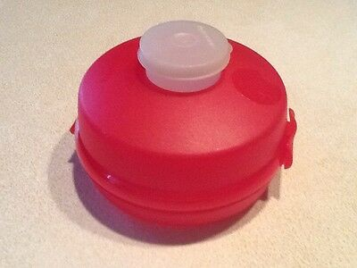 TUPPERWARE Bagel or Round Sandwich or Salad Keeper on the go containers. EUC