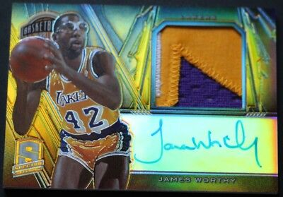 James Worthy  AUTO PATCH /10 2013-14 Spectra Hall of Fame  Gold