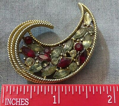 Beautiful Unsigned Vintage 1930's-40's Gold Tone Rhinestone Brooch. Art? HAR?