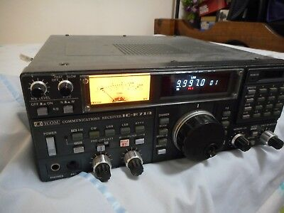 ICOM R71A COMMUNICATIONS RECEIVER with Willco Electronics ICM -1024 Memory Board