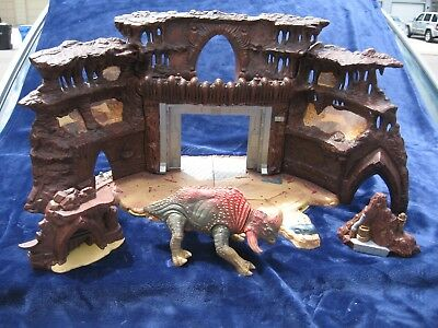 SW STAR WARS AOTC GEONOSIS BATTLE ARENA WITH REEK Near Complete Super Clean