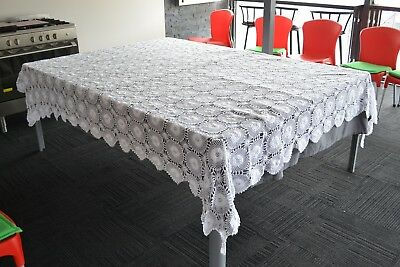 Large Vintage White Crochet Table Cloth / Bedspread 2500mm x 2300mm Used