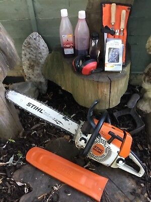 """STIHL MS260 CHAINSAW IN FULL WORKING ORDER with ACCESSORIES 18""""bar"""