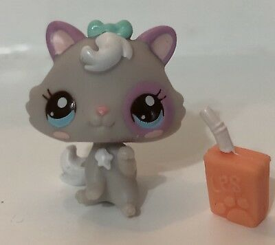 LPS Littlest Pet Shop Mini Baby Kitten Cat #2627 With Blue Eyes