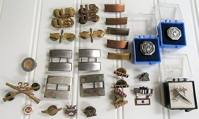 30 Vintage Air Force & Others MILITARY Uniform Pins & Military Related Pins