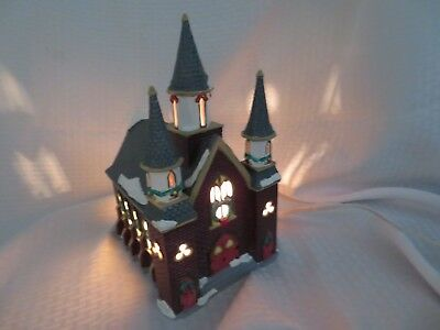 "Dept 56 Snow Village ""st. Luke's Church"" With Light 1992 - Retired"