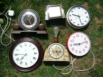 Collection Of Vintage And Other  Electric And Battery Clocks. Interesting Lot.