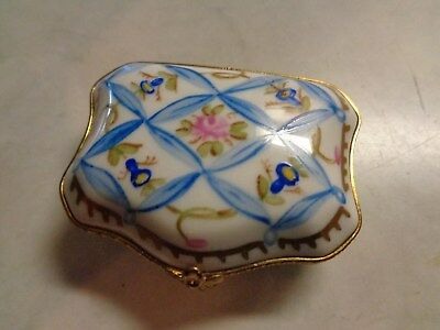 Limoges France Peint Main Floral Purse Shape Pill Or Trinket Box
