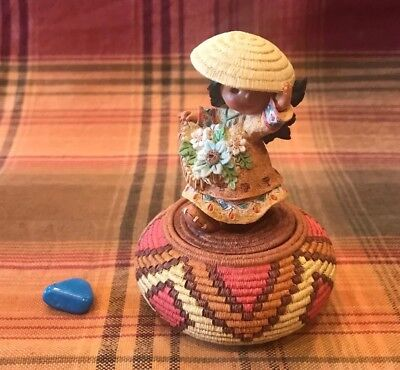 """Rare 1995 Friends Of The Feathers """"Gaity"""" Girl With Flowers #171778 With Rock"""