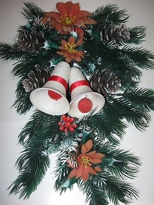 Vintage 60s Poinsettias Pinecones Mica Bells Teardrop Plastic CHRISTMAS WREATH