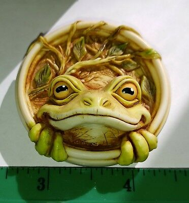 Harmony Kingdom Artist Neil Eyre Designs Cute Tree Frog magnet  signed LE