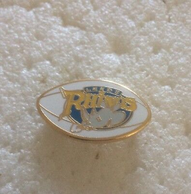 Very Rare Leeds Rhinos  Supporter Enamel Badge - Rugby League