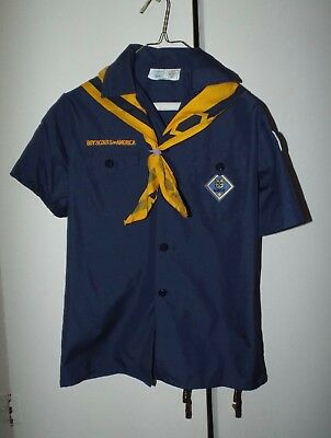 CUB Webelos SCOUT boy SCOUTING UNIFORM  blue shirt short sleeve neckerchief