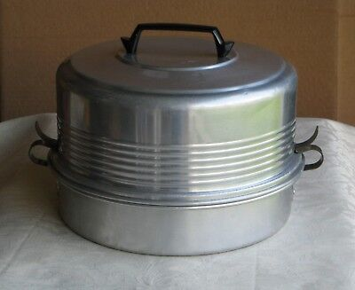 MID CENTURY 3-PC REGAL WARE ALUMINUM FOOD CADDY PIE and CAKE CARRIER SAVER