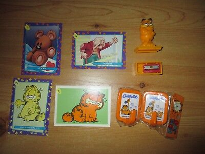 Garfield Collectables: Picture Trading Cards, Pencil Sharpener, Plastic Hooks