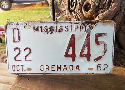 Vintage Rustic 1962 Mississippi Grenada  County Dealer License Plate # D22 - 445