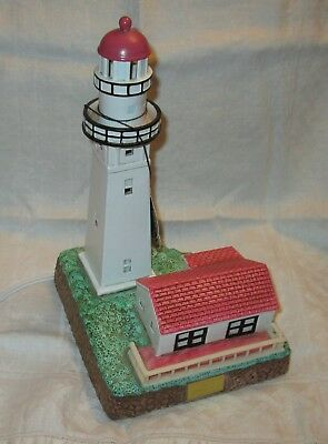 Lefton Diamond Head Lighthouse, SIGNED limited edition, lighted, with orig. box