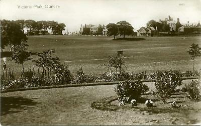 Real Photo Postcard Of Victoria Park, Dundee, Angus, Scotland By Valentine's