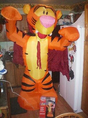 7Ft Gemmy Airblown Inflatable Disney Tigger Halloween Vampire In Box Works Great