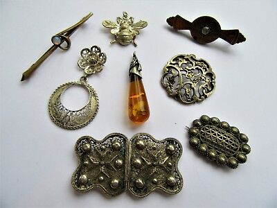 Job Lot 8 Antique/Vintage items of Jewellery including Silver and Baltic Amber