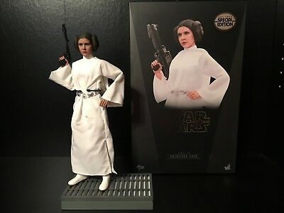 Hot Toys MMS298 Star Wars A New Hope Princess Leia Organa Exclusive episode iv