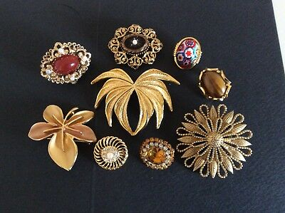 Job lot of Vintage  Gold Toned Brooches And Scarf Ring 2 Sphinx