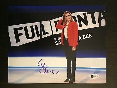 SAMANTHA BEE SIGNED AUTOGRAPHED 8x10 PHOTO - TBS, FULL FRONTAL - BECKETT BAS
