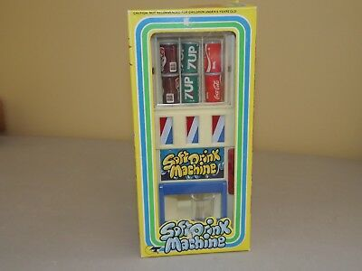 1981 Toy Soft Drink Machine Coca Cola 7UP Root Beer Made in Hong Kong MIB