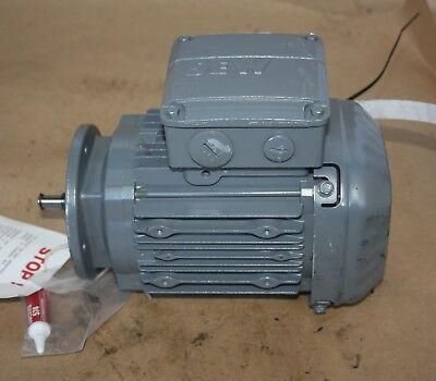 SEW Eurodrive DRS71M4/FG electric motor 0.55kW 1360rpm 3 PHASE - NEW