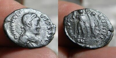 76 ROMAN - HONORIUS  393-423 A.D. - AE 18.95mm - 2.13g