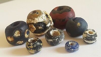 Ancient beads.8 ancient Phoeinecian glass beads.very rare