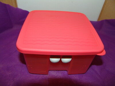 "TUPPERWARE- Orange FridgeSmart Keeper 6""x6""x3 1/4"" with Seal & Freshness Buttons"