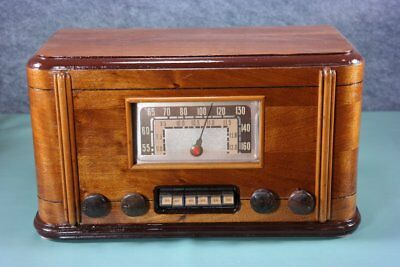 Airline 2 Band Wood Tube Radio W/Pushbuttons