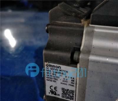 Used R88m-G20030h-S2-Z Omron Tested Servo Motor Tested