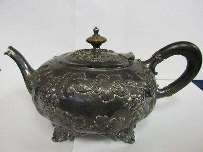Barbour Silver Co Antique Silverplate # 47 Grape Theme Teapot 4 Ftd Xlnt Cond