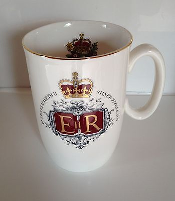 Queen Elizabeth Ii Silver Jubilee Commemorative Cup By Lady Beth *brand New*