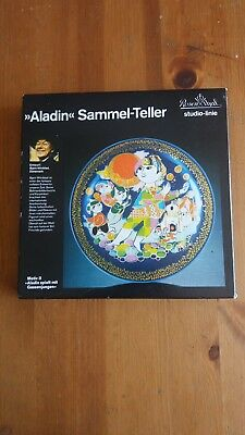 Sammel-Teller Aladin plate. Plate number 2. Aladin plays with the street urchins