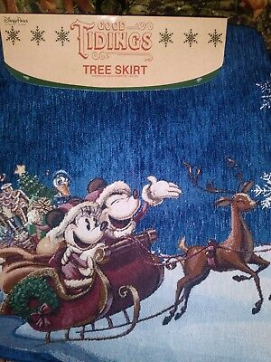 Disney Parks Good Tidings Mickey & Minnie Tree Skirt Christmas Holidays