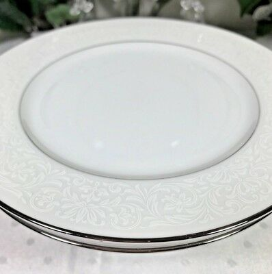 VINTAGE CARRIAGE HOUSE FINE CHINA, 4 SALAD PLATES in 'YOUNG LACE' MADE IN JAPAN!