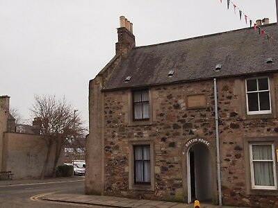 Historic Town House, in the beautiful Scottish Borders -2 Bedrooms Sleeps 2-4