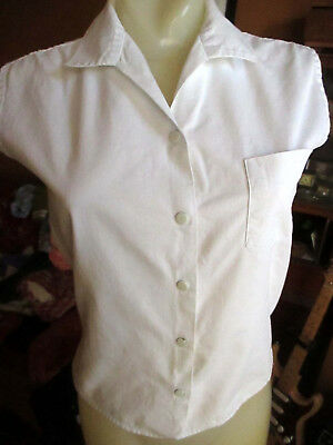 SMALL True Vtg 50s BETTY BROOKS SANFORIZED WHITE COTTON SNAP GYM CLASS TOP USA
