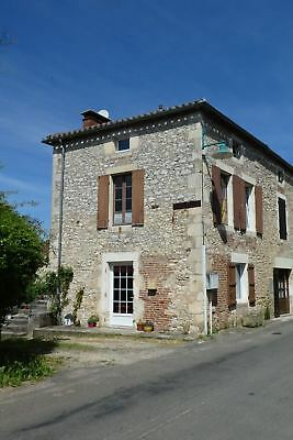Pretty village house for sale in Grezéls, Lot Valley, France. Near the river