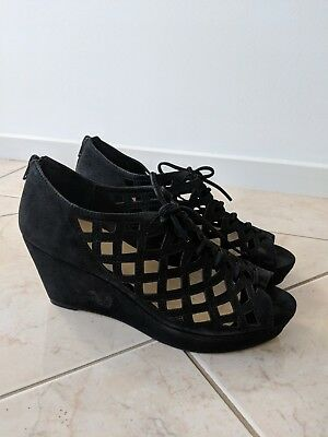 Wittner Black Wedges Size 40