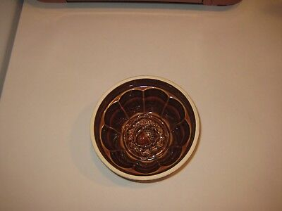 Old Vintage Embossed Ceramic Pottery Stoneware Acorn Wreath Butter or Jello Mold